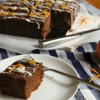 Sticky Gingerbread Traybake