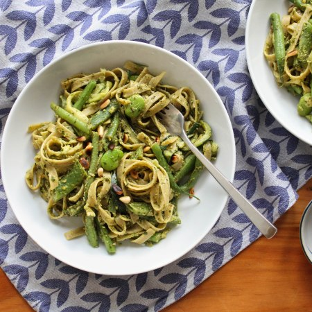 Tagliatelle with pesto, courgette and green beans