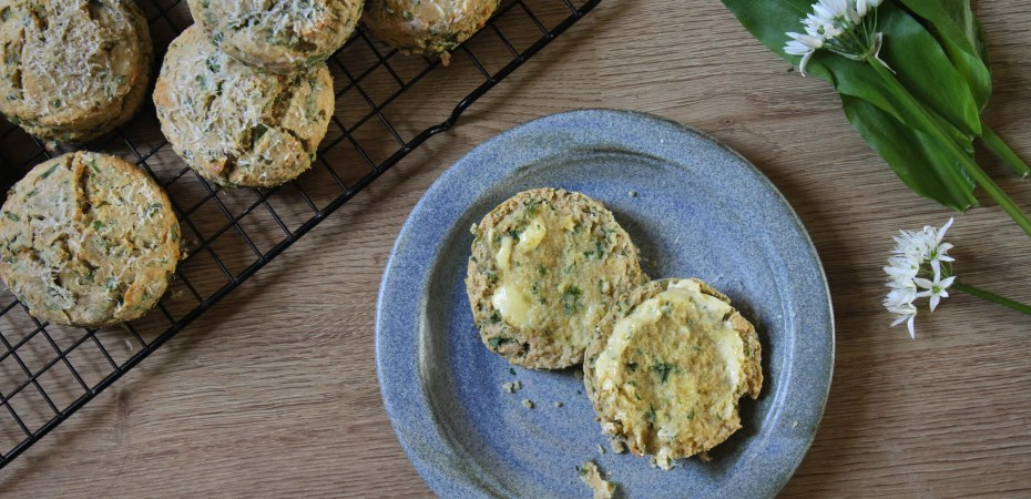 Vegan cheese and wild garlic scones